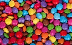 background, candy, chocolate, colorful, confectionery, dessert, food, multicolored, pattern, pile, smarties, sweet, texture