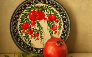 ceramics, still life, Uzbek ceramics, fruits, berries, punica