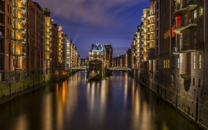 hamburg, speicherstadt, lighting, night, teekontor, building, kontorhaus, illuminated, waterways, city, germany, architecture
