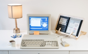 old computer, retro computer, desk, room, commodore amiga 500, commodore 1084s display, commodore amiga mouse