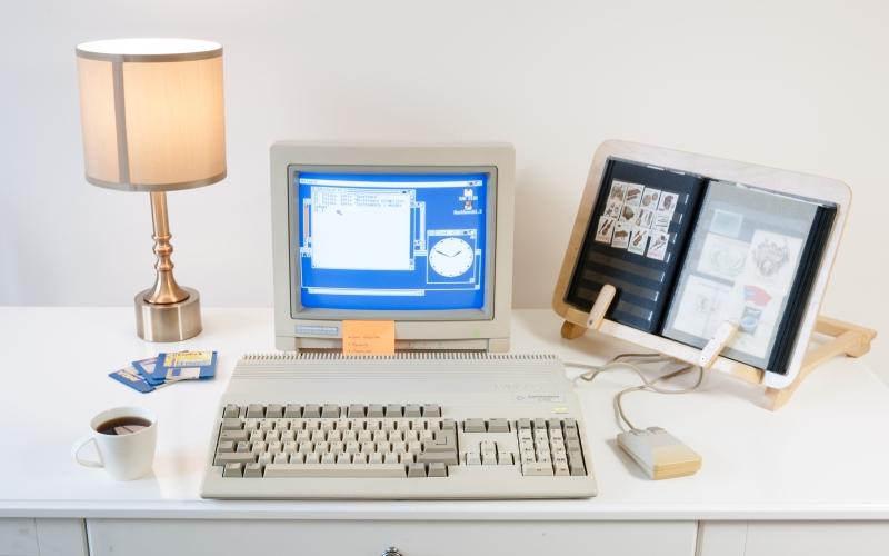 desktop lux old computer retro computer desk room commodore