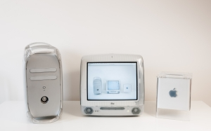 old computer, retro computer, desk, room, apple desktop computer, power mac g4, imac g3, power mac g4 cube