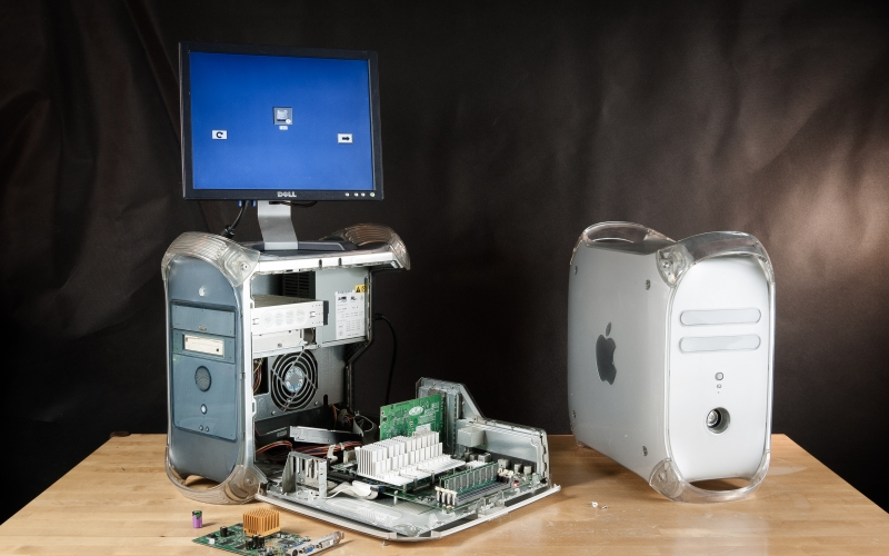 old computer, retro computer, hardware, power macintosh g4, model M5183, power mac g4, quick silver model M8493