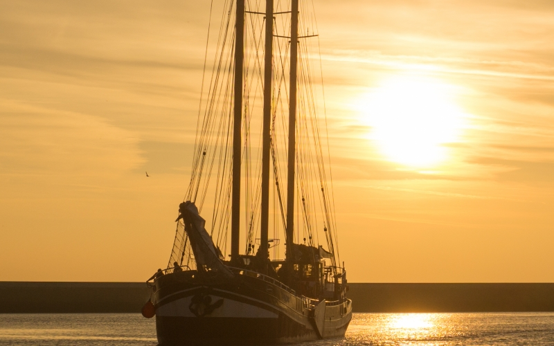 sunset, sailboat, sea, reflection, ship, travel, ocean, water, boat, landscape, horizon, vacation, seascape