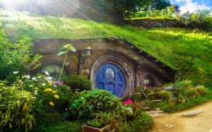fairy tale, house, home, hole, quirky, fable, tolkien, lotr, lord of the rings, movie, hobbit, hobbiton, new zealand, shrubs, flowers, green