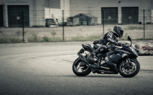 motorcycle, motorcyclist, vehicle, biker, road, drive, moto, black, kawasaki, fast