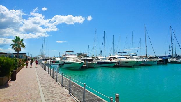 embankment, yachts, blue sea, sunny, resort, summer, warm, relaxation