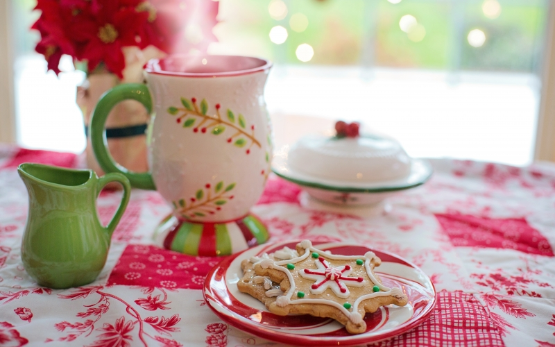 christmas, xmas, cookies, cup, hot chocolate, hot cocoa, red, green, colorful, holiday, food, gingerbread, traditional, homemade, festive, delicious, sweets, biscuits