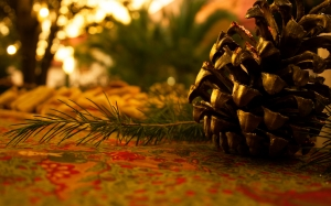 cone, pine cone, christmas, pine, decoration, xmas, holiday, fir, pinecone, ornament, decorative, festive, tree, gold