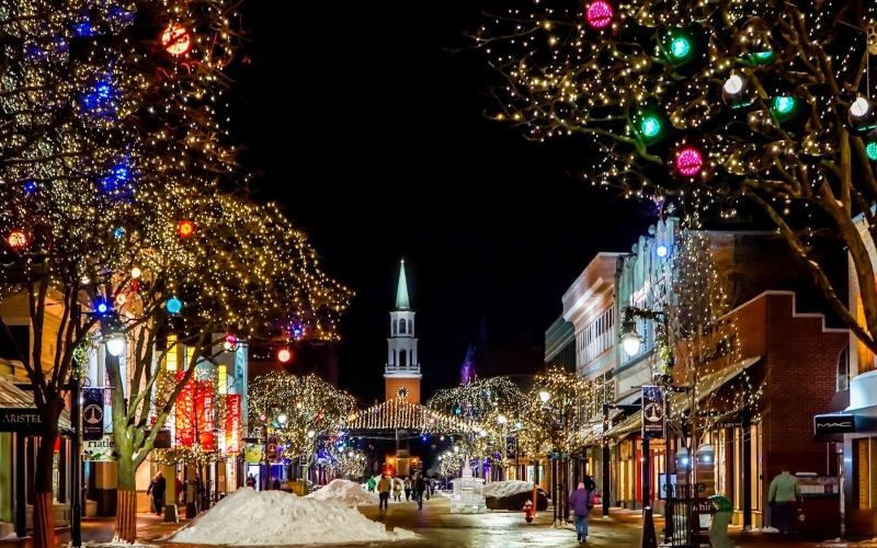 town, street, church, decoration, night, architecture, colorful lights, xmas, christmas, burlington, vermont, buildings, cityscape, christmas decoration, december