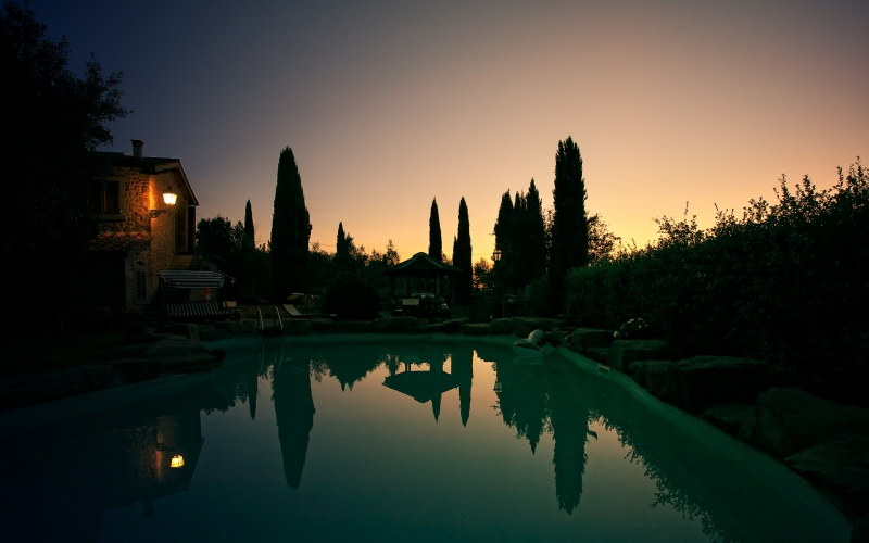 twilight, landscape, sunrise, pool, water, mirroring, house, lamp, quiet, dusk, summer, sky, dawn, silent, tuscany, italy, bushes