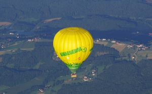 flight, balloon, sky, hot air, air sports, air travel, yellow, transport, vehicle, landscape, tourism, leisure, aircraft, aerostat