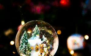 light, bokeh, night, color, holiday, darkness, xmas, christmas, christmas tree, festive, christmas ornament, decoration, snow globe, christmas lights, new year