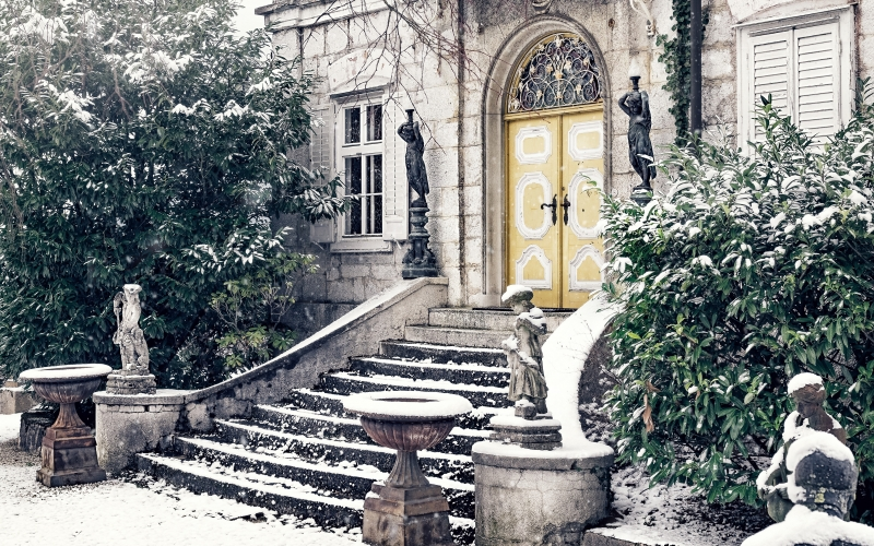 villa, house, staircase, snow, winter, wintry, cold, building, architecture, residence, old villa, old, bushes